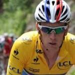Bradley Wiggins says all cyclists should wear cycle helmets